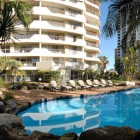 baronnet-apartments-gold-coast-accommodation-pool